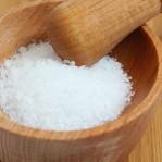 25 dicas para usar o sal como agente de limpeza doméstica.