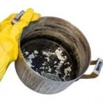 Como limpar panela queimada