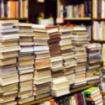 Dicas para organizar sua estante de livros