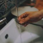 Você sabe mesmo lavar louça? Algumas etapas parecem óbvias, mas são importantes