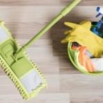 Aprenda como limpar piso de porcelanato em 4 passos simples