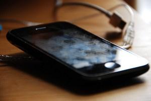 limpando-tela-celular