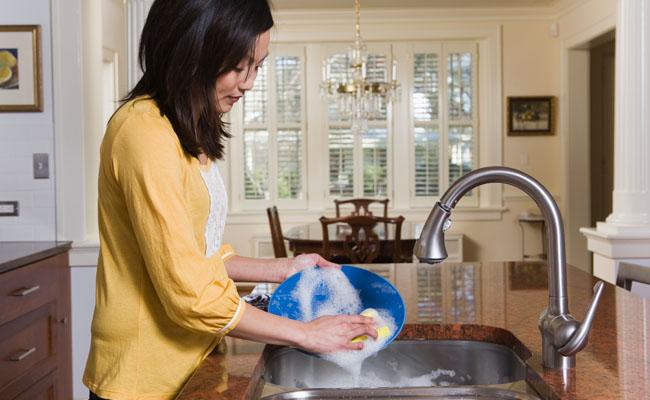 Cuidados ao lavar a louça