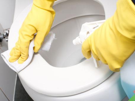 como-lavar-banheiros