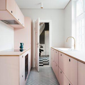 Guia de organização: como higienizar e arrumar a cozinha, a despensa e a lavanderia